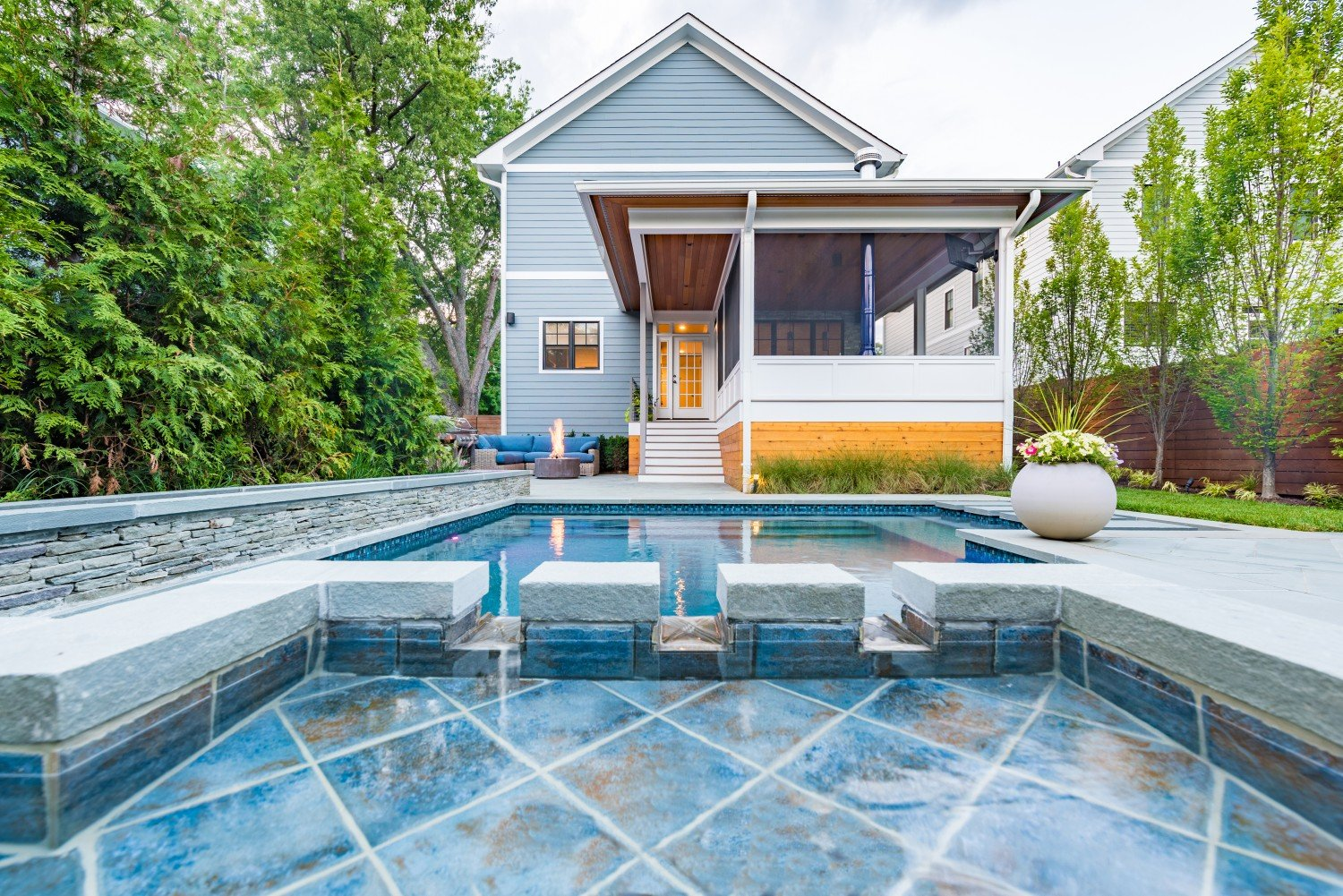 award-winning-patio-with-pool-in-daytime